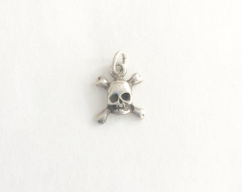 Solid Vintage 925 Sterling Scull Charm or Pendant- Scull and Crossbones Pendant Charm
