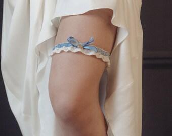 Lauren Vintage Locket Wedding Garter