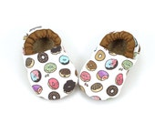 donut baby shoes, donut baby booties, brown and white, donut baby clothes, soft sole shoes with elastic, skid proof shoes, donut slippers