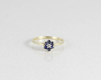 10k Yellow Gold Natural Blue Sapphire and Diamond Ring Size 7 1/4