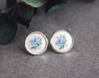 Blue Stud Earrings, Blue Earrings, Floral Stud Earrings, Flower Earrings, Blue Post Earrings, Vintage Earrings, Blue Flower Earrings
