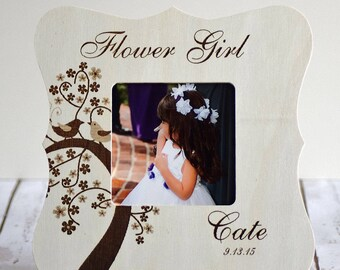 Personalized Flower Girl picture frame- Wood Engraved- Custom Gift, Flower girl gifts - Wedding Favors, Wedding party gifts