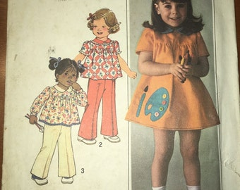 Simplicity 7604 1970s Toddler Girls Dress and Pants with Peter Pan Collar Complete with Paint and Palette Applique Size 2 B 21 Uncut