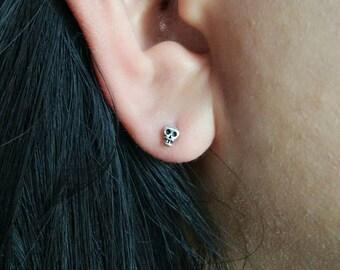 Tiny skull stud earrings - 925 sterling silver - skeleton post earrings - skull jewelry - steampunk earrings - cartilage helix stud earrings