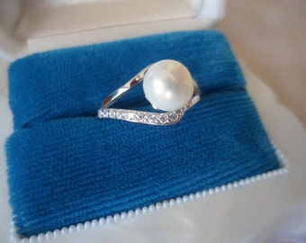 Antique Art Deco Vintage genuine Pearl and Sterling Silver Ring size O or 7