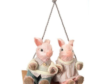 "15"" Piglet Couple on Swing/Wreath Supplies/Pig Decor/Spring-Easter Decor/MT19869"