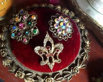 Set Of 3 Vintage Pins Flure De Lis •Aurora Borielis•Colored Stone Flower