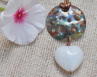 Copper pendant Copper jewelry Hammered copper Patina copper Copper necklace Rustic copper Heart pendant White stone Pendant necklace Rustic