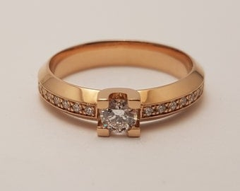 Handmade Cober ring, for classy women. Made of rose gold with a total of 17 diamonds, brilliant cut. Design ring from the Netherlands.