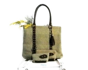 Big green bag made with crocheted in cotton tape and genuine leather accessories Model Pikeros 045