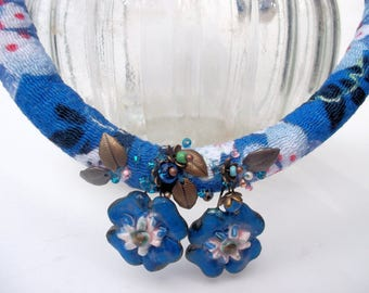 Kimonosilk chirimen japanese silk blue choker with flowers ceramicflowers embroidered fabric chain chirimen necklace