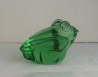 Silvestri Green Frog Paper Weight