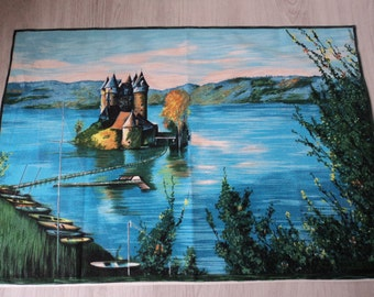 REDUCED - French vintage cotton printed castle tea towel / torchon  (04002)