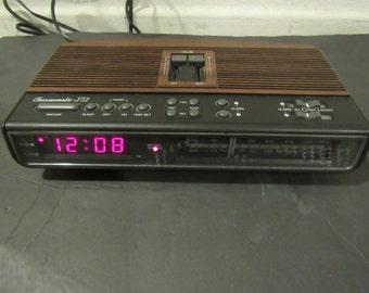 Vintage 1993  Battery Backup Clock Radio Realistic Choronomatic 272 Dual Alarm Setting