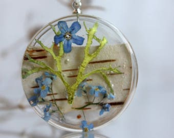 Pendant birch bark, moss and forget-me.  flowers forget-me.  Round Pendant . Pendant epoxy resin. Dry plants pendant