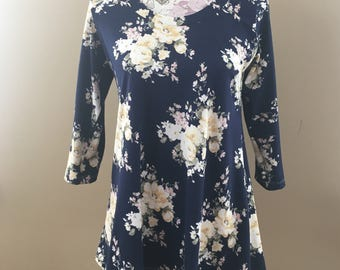 READY TO SHIP - Navy Floral Women's A-Line Top - Size M