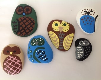 Painted owls Pet rocks Beach stone art Beach stones Painted stones Owl collectibles Owl figurines Owl art Owls Crafting stones Pebble art