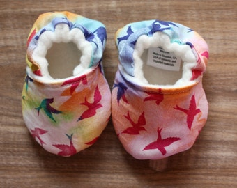 Watercolor Bird Baby Booties, Birds Baby Shoes, Baby Girl Shoes, Colorful Baby Shoes, Fabric Baby Shoes, Infant Shoes, Fun Baby Shoes