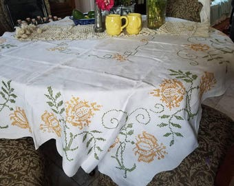 French Fifties Tablecloth - Paris Flea Market - Vintage French Tablecloth - French Farmhouse Kitchen - Country French - Cottage Chic