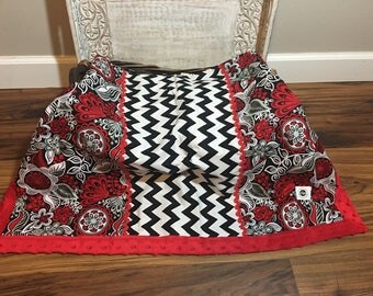 Minky baby blanket with contrasting cotton blend.  Red, white, gray and black