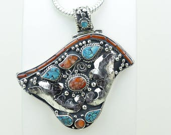 On Sale! Coral Turquoise Native Tribal Ethnic Vintage Nepal Tibetan Jewelry OXIDIZED Silver Pendant + Chain P3994
