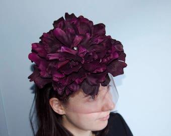 Purple Fascinator with big flower and birdcage veil headband/wedding hats & fascinators/Ascot races/Tocado boda invitada/Flor grande