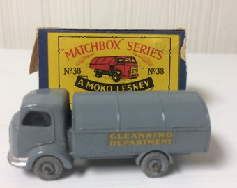 Vintage Matchbox Series no. # 38 A Moko Lesney product Karrier Refuse Collector made in England