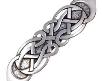 Figure eight knot hairslide -Hand Made and Design in UK
