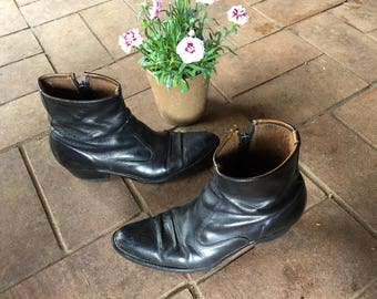 GORGEOUS black leather motorcycle boots// zip up cowboy ankle boots//chelsea mod ankle boots