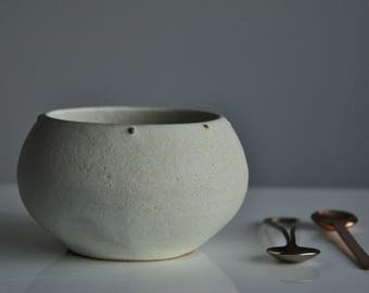 New Ivory Oatmeal Serving Bowl