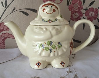 MRS BARLEYMOW Collectable Novelty Teapot by Wade made for Boots the Chemist.  Made in England.  Very Collectable!