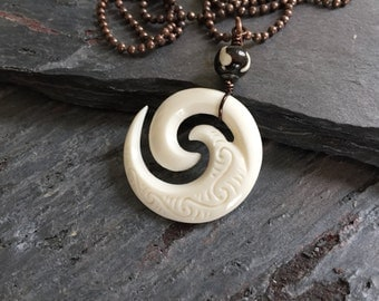 Polynesian Tribal Necklace,Hawaiian or New Zealand Maori Necklace for Man,Rustic Carved Bone Necklace,Mens Men's Mans Man's Necklace