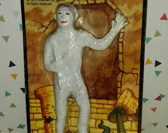 Vintage 1970s Vics Universal Monsters The Mummy Jiggler Carded