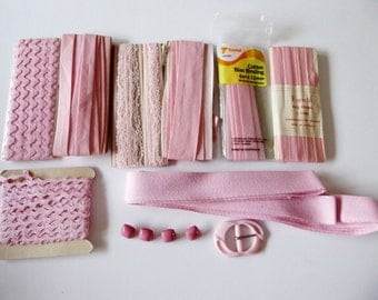 Vintage sewing pack pink tones, ric rac, bias binding, seam binding lace, ribbon, buttons, buckles, destash