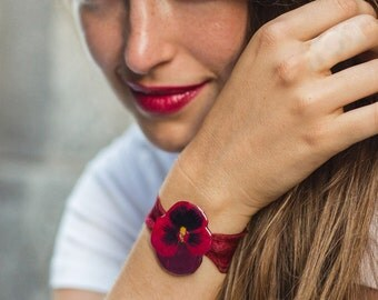 Red Pansy Bracelet bracelet with lace