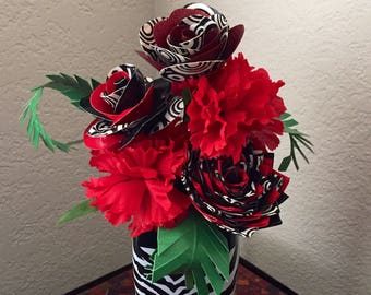 Gorgeous duct tape flower arrangement (goth, punk, Harley Quinn, black, red, white)