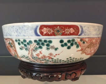 Vintage Traditional Chinese Porcelain Bowl with Vase Stand