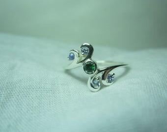 natural tsavorite and tanzanite ring, tsavorite ring green garnet ring, WOOW