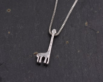 Sterling Silver Dainty Little Giraffe Pendant Necklace 18'' z93