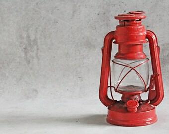Vintage kerosene lamp, kerosene lantern, red lamp, oil lamp, Rhewum, made in Germany