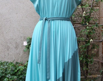 Vintage 1980s Dress in Two Tone Greens Size 42 US12 UK14