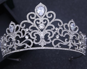 Bridal tiara Rhinestone tiara Wedding tiara Crystal Tiara Silver Tiara Bridal hair Accessories Bridal Crown Bridal Jewelry Wedding Crown