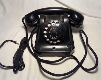 Vintage 1957's Black Bakelite Phone