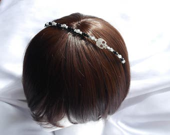 Gothic bridal tiara, Black skull bride hair piece, diamante Skull hair accessory, Gothic Wedding Hair Accessory. black wedding hair piece