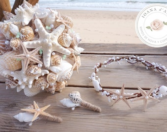Beach wedding bouquet, White sea shells and pearls bouquet, Beach wedding bouquet in white tones with a touch of mint