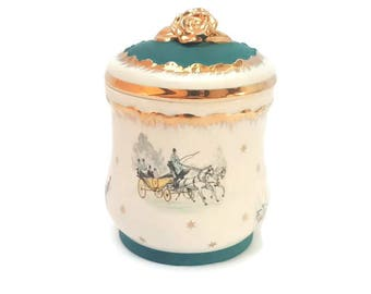 Limoges Trinket Box, Vintage French Porcelain Pill Or Trinket Box , Limoges France Circa 1930