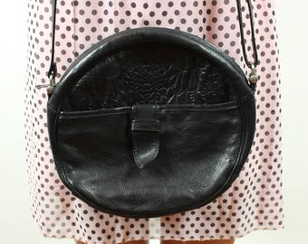 Round bag in black leather Made in Italy