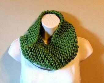 Handmade Knit Cowl/ Chunky Knit Cowl/ Chunky Cowl Scarf/ Green Infinity Scarf/ Knit Cowl/ Handmade Chunky Cowl/ Green Knit Cowl/ Green Scarf