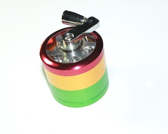 Irie grinder with magnetic lid