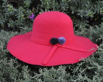 Red Hat Pom Pom grey and black